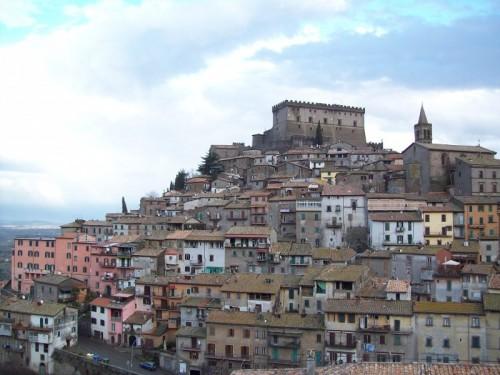 Soriano nel Cimino - Un alveare ai piedi del Castello Orsini