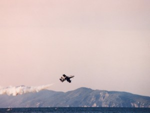 Un volo d'aereo sui monti dell'uccellina