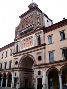 Il torrazzo dalla piazza principale