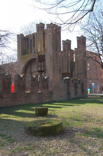 Bentivoglio - La doppia porta del Castello