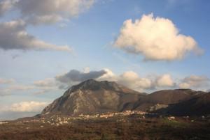 Chiusano e il monte Tuoro