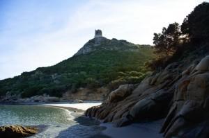 la torre della spiaggia di Porto Giunco