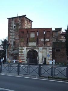 porta e torre antica