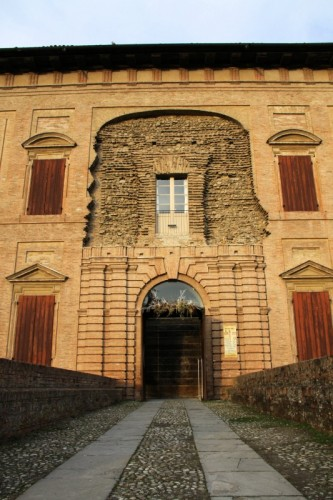 Scandiano - Ingresso alla Rocca