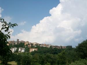 un nuvolone bianco sul Borgo