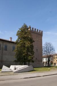 Dal monumento ai caduti, la torre