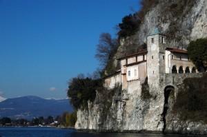 Eremo di Santa Caterina del Sasso e Lago Maggiore