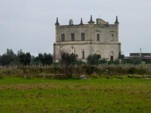 Castelletto tra le campagne di Villa Convento