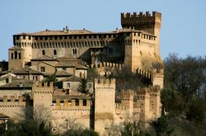 Borgo e Castello vicini contro il tempo