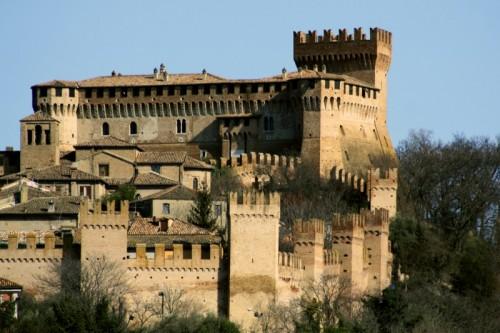 Gradara - Borgo e Castello vicini contro il tempo