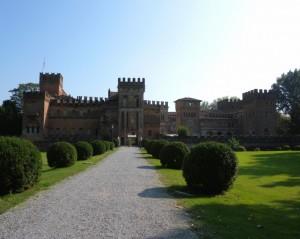 Castello San Lorenzo De' Picenardi, veduta frontale