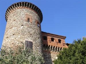 Castello di Momeliano, secolo XIV, Gazzola, Val Tidone/Val Luretta