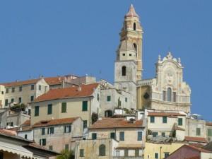 cervo, il borgo e la chiesa