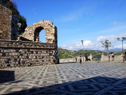 Castelmola - La citta' fortezza