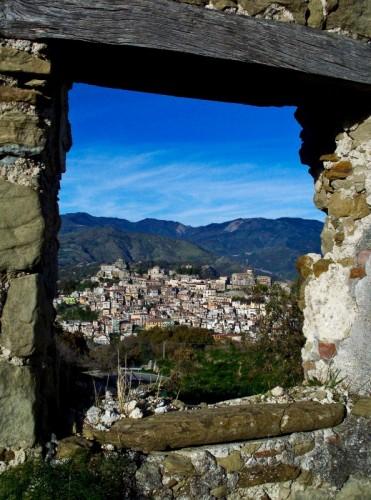 Castiglione di Sicilia - Castiglione dalla finistra