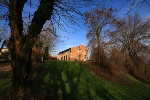 Verolavecchia - Monticelli d'olio , il castello