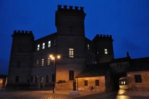 Castello di Mesola nell'ora blu