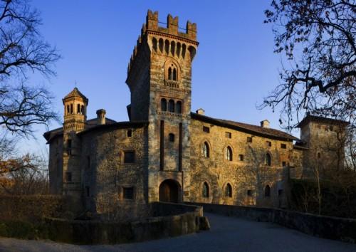 Filago - Ed in ultimo arrivo' questa visione d'insieme del Castello di Marne