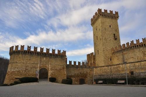 Vernasca - Ingresso del castello di Vigoleno