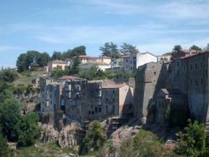 Sulle fondamenta etrusco-romane, la medievale Pitigliano 2