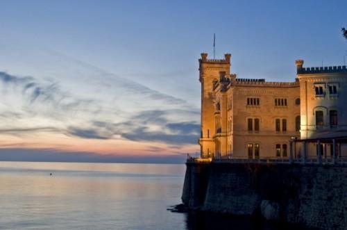 Trieste - Il tramonto su Miramare