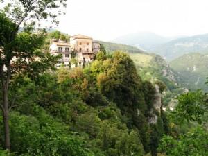 Le case sullo sperone roccioso