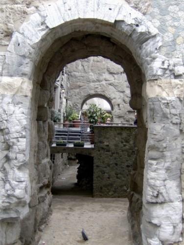 Aosta - Particolare della Porta Pretoria ad Aosta