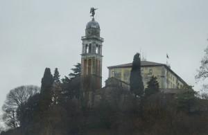 il castello di Udine in una giornata piovosa