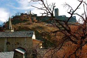 il castello di montjovet e la sua chiesa