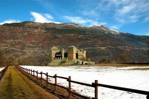 il sentiero che porta al castello
