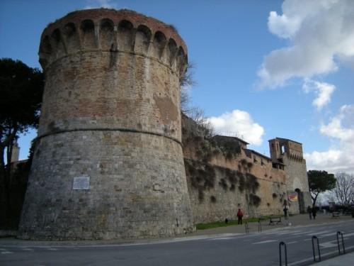 San Gimignano - Bastioni  e cinta  muraria