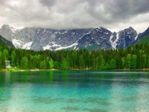 Il lago di 3 confini