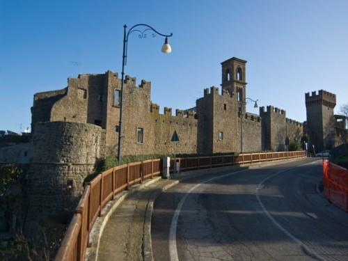 Vitorchiano - Le mura del borgo