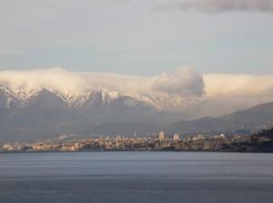 mare, citta , montagne e neve.
