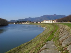 Calcinaia lungo l'Arno