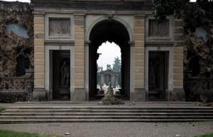 """Entrata Villa Litta vista dal """"cannocchiale"""""""