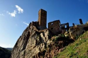 La Torre e la roccia sorniona!