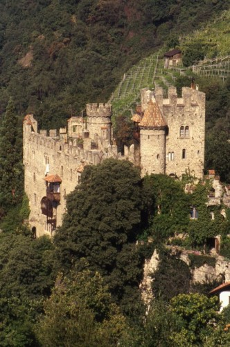 Tirolo - Da castello a castello