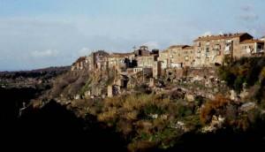 Un romantico paese etrusco