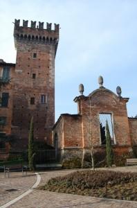 il Castello da piazza Toti