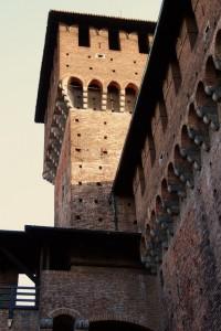 Per tutti i maschietti del concorso: la Torre di Bona di Savoia :-)
