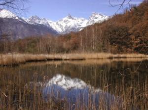 Il lago di Villa e il Mont Avic