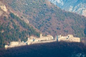 Castelbeseno e le sue montagne