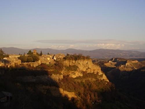 Lubriano - Si insinua la sera nella valle