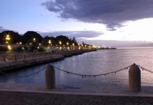 Riflessi sul mare durante un tramonto d'amare…