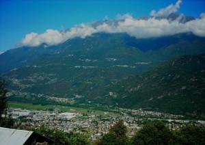 Panorama estivo di Talamona in Valtellina