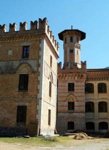 Castello Ceconi, una delle torri.