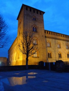 """L'""""ora blu"""" al Castello Visconteo"""