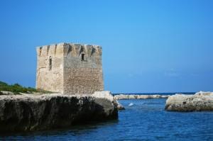 La torre nel porticciolo di San Vito