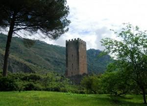 La torre del castello di Ninfa